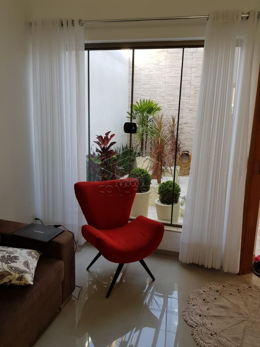 Comprar Casa / Padrão em Agudos R$ 690.000,00 - Foto 2