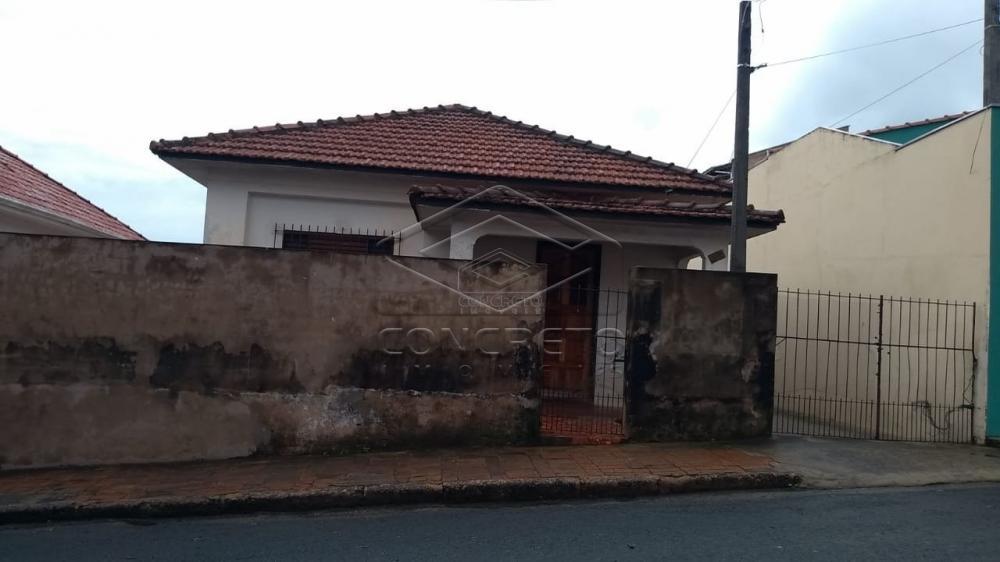 Comprar Casa / Padrão em Botucatu R$ 250.000,00 - Foto 1