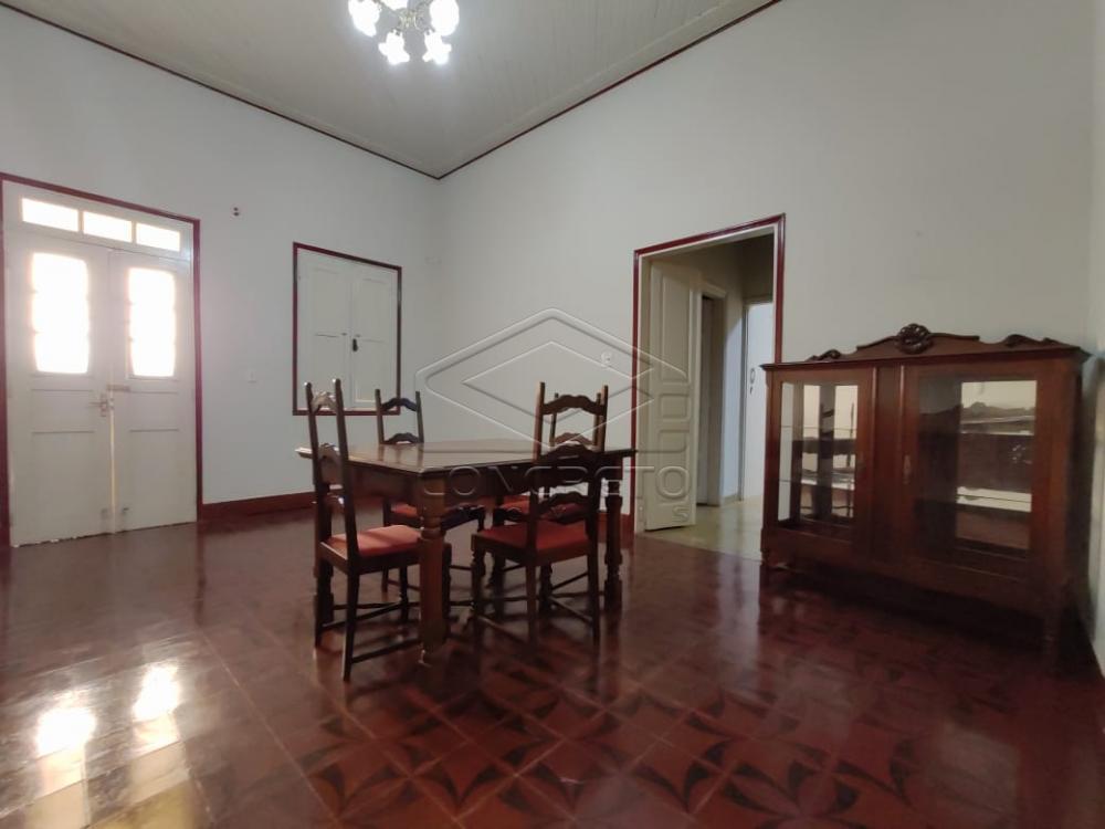 Alugar Casa / Padrão em Jaú R$ 1.500,00 - Foto 2