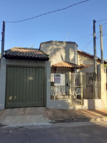 Alugar Casa / Padrão em Sao Manuel. apenas R$ 185.000,00