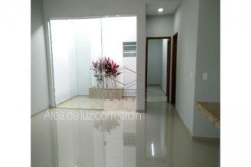 Alugar Casa / Padrão em Piratininga. apenas R$ 370.000,00