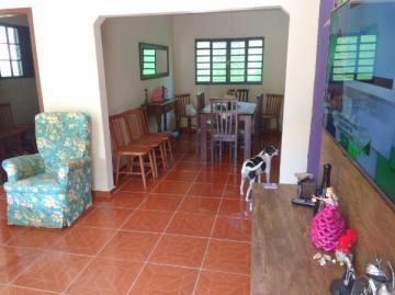 Alugar Casa / Padrão em Botucatu. apenas R$ 235.000,00