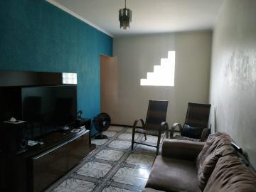 Alugar Casa / Padrão em Lençóis Paulista. apenas R$ 320.000,00