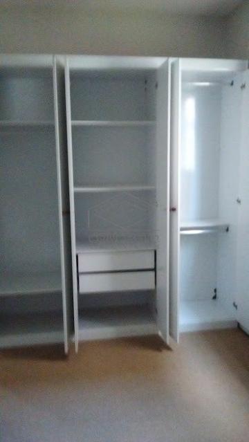Alugar Apartamento / Padrão em Botucatu. apenas R$ 125.000,00