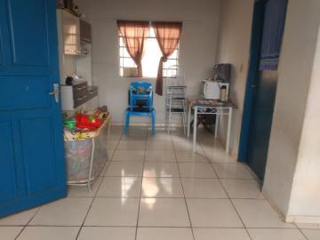 Alugar Casa / Padrão em Lençóis Paulista. apenas R$ 165.000,00