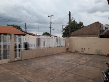 Alugar Casa / Padrão em Bauru. apenas R$ 240.000,00