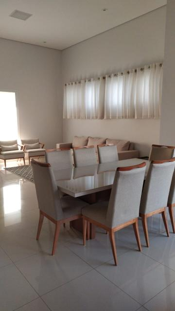 Casa / Padrão em Piratininga , Comprar por R$990.000,00