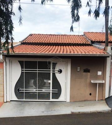Alugar Casa / Padrão em Botucatu. apenas R$ 170.000,00