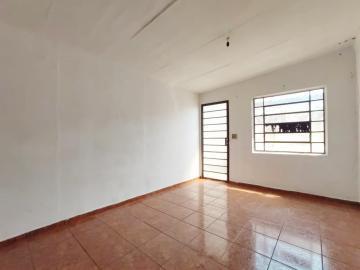 Alugar Casa / Padrão em Jau. apenas R$ 750,00