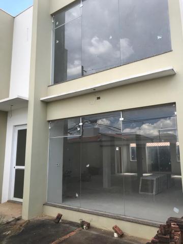 Alugar Casa / Comercial em Botucatu. apenas R$ 550.000,00