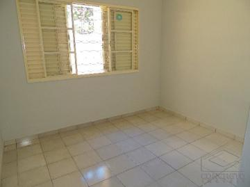 Alugar Casa / Residencia em Lençóis Paulista. apenas R$ 700,00
