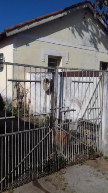 Alugar Casa / Residencia em Botucatu. apenas R$ 180.000,00