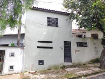 Alugar Casa / Residencia em Botucatu. apenas R$ 570,00