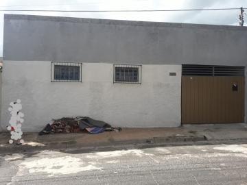 Alugar Casa / Padrão em Bauru. apenas R$ 170.000,00