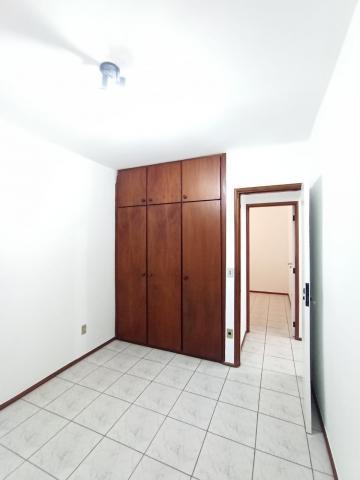 Alugar Apartamento / Padrão em Bauru. apenas R$ 700,00
