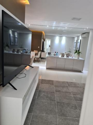 Alugar Apartamento / Padrão em Bauru. apenas R$ 790.000,00