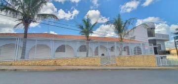 Alugar Casa / Sobrado em Botucatu. apenas R$ 2.200.000,00