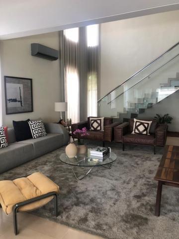 Alugar Casa / Condomínio em Bauru. apenas R$ 1.980.000,00