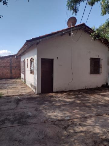 Alugar Casa / Padrão em Bauru. apenas R$ 100.000,00