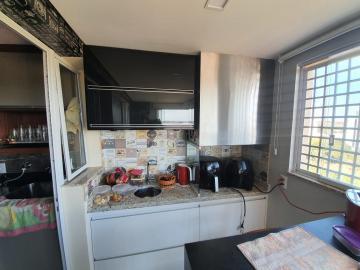 Apartamento / Padrão em Bauru Alugar por R$2.700,00