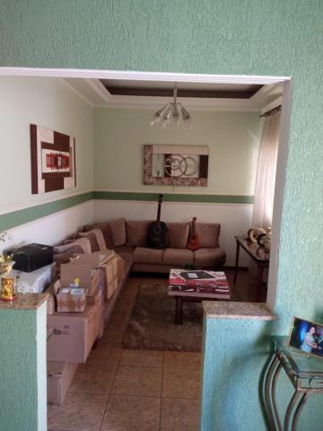 Alugar Casa / Padrão em Lençóis Paulista. apenas R$ 2.950,00
