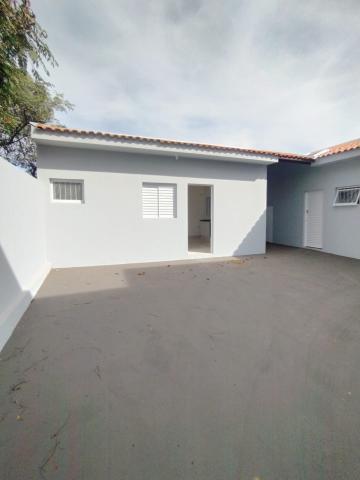 Alugar Casa / Padrão em Bauru. apenas R$ 750,00
