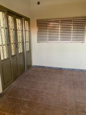 Alugar Casa / Residencia em Jaú R$ 900,00 - Foto 2
